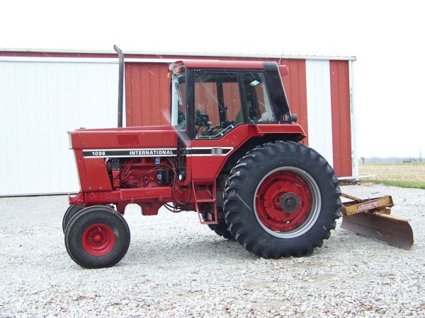 Ih 1086 Steps : Production changes over years general ih red
