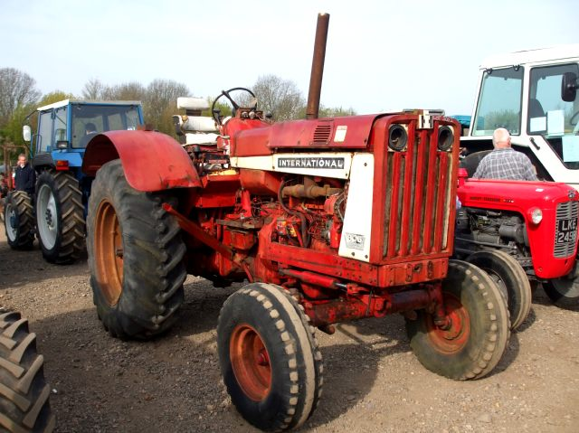 Mw Tractor Hubs : International with m w coffee shop red power