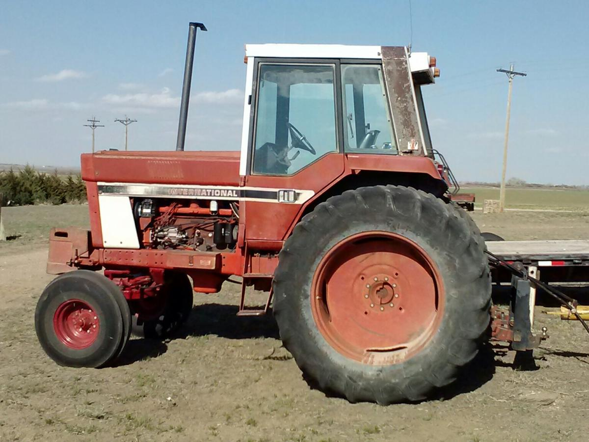 Ih 1086 Steps : Tractor of the week international to