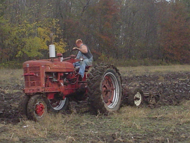 1086 Ih Plowing : Local plow day pics coffee shop red power magazine