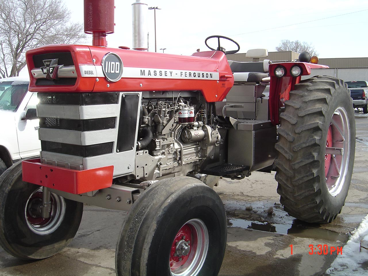 Massey Ferguson 2745 Problems : Picture of a restored mf coffee shop red power
