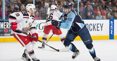 Admirals dig early hole, fall 5-2 to Griffins