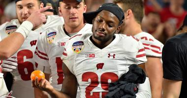 Badgers football finishes 7th in final AP poll