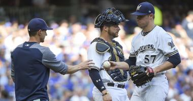 Brewers will use 8-man bullpen in 2018