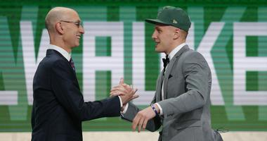 Bucks sign rookie Donte DiVincenzo