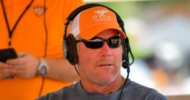Favre aiming to stop youth tackle football