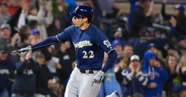 Yelich Leads Brewers Past Twins 5-4