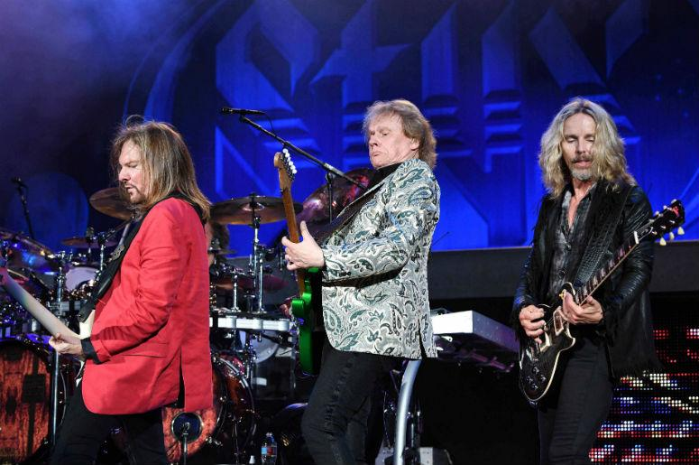 Styx performs at the Perfect Vodka Amphitheatre