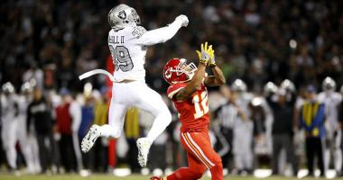 Last-second Raiders touchdown hands Chiefs 2nd-straight loss