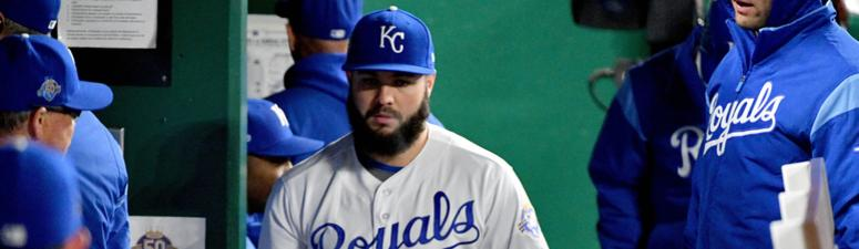 Junis carries no-no into seventh, Royals rout Mariners 10-0