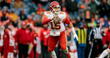 Mahomes leads Chiefs past Broncos 27-24 in 1st start