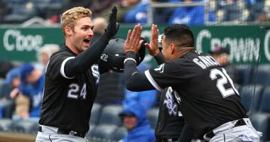 Davidson hits 3 of White Sox's 6 homers in 14-7 rout of KC