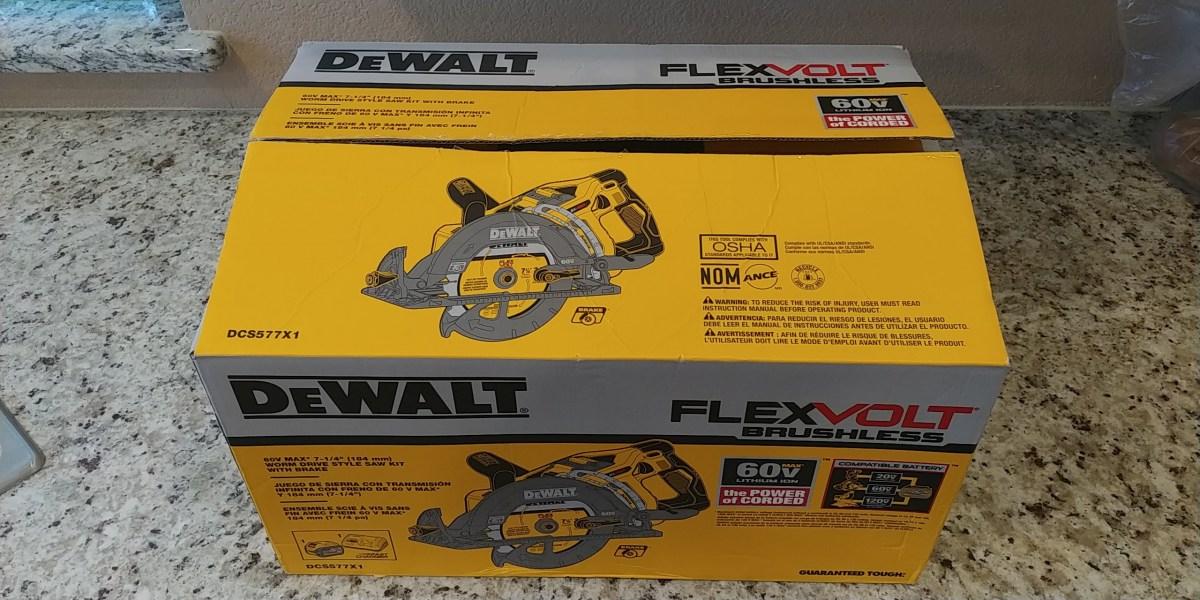 Flexvolt® 60v max* 7-1/4 in. Cordless worm drive style saw 9. 0ah.