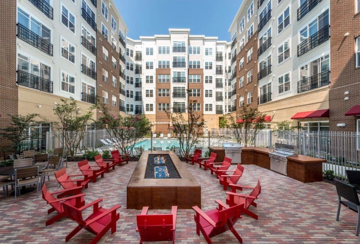 Great Rockville apartment available to share