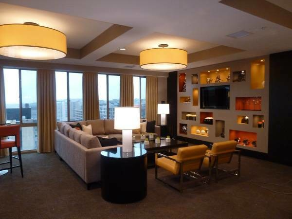 $2712 / 2br - 750ft2 - 1 bd and Den available in Gallery Place/Chinatown- April $2712 (Chinatown)