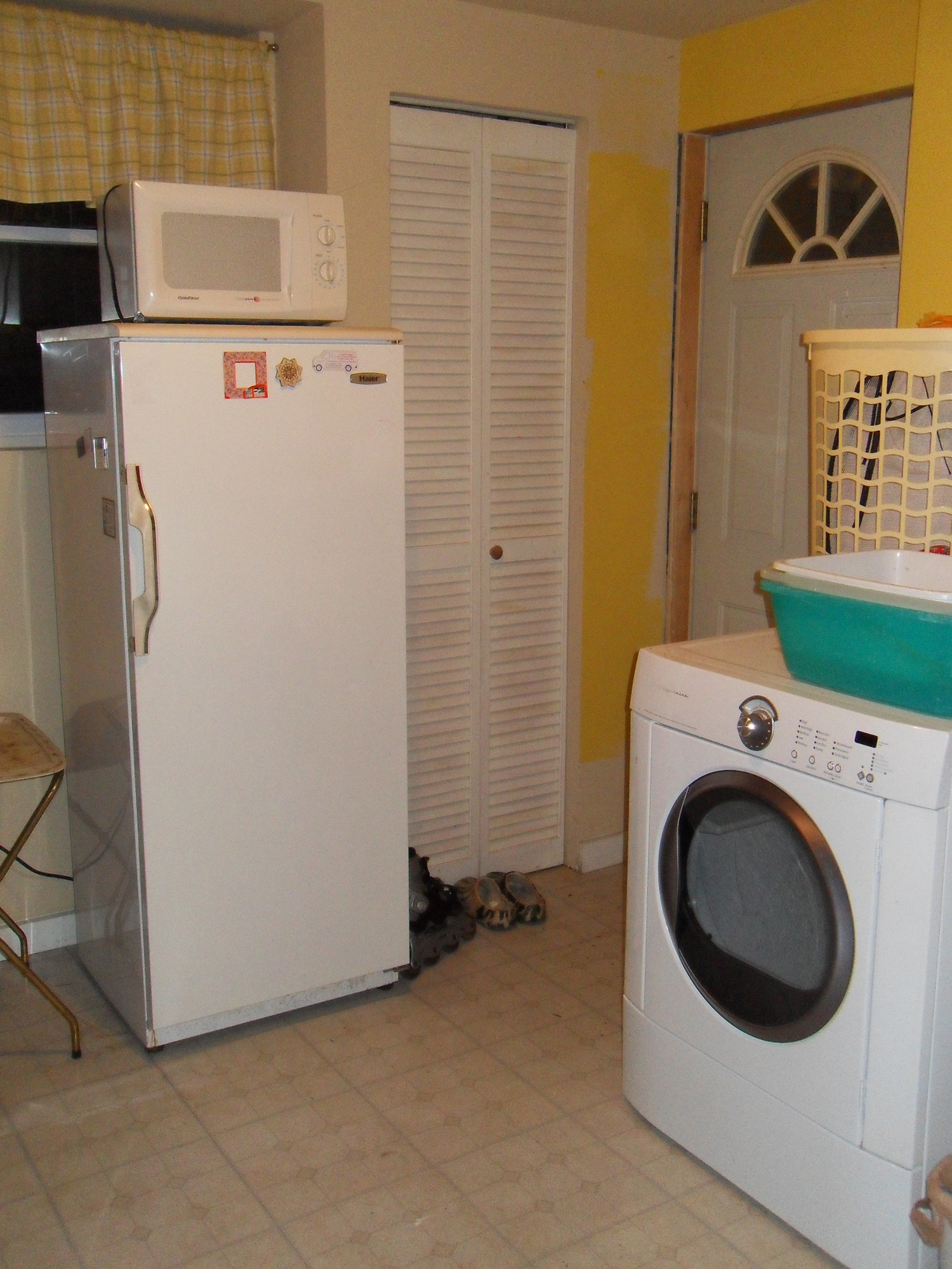$1300 / 350ft2 - $1100 /1br Semi-Basement (350 sq.ft) for Rent in Rockville, MD