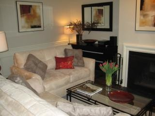 Bright newly renovated and Furnished 1bdr apt.
