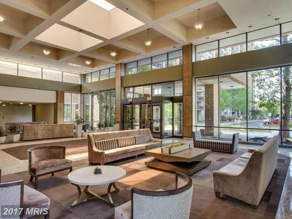 600ft2 - 酒店式豪华公寓房间出 (Falls Church)