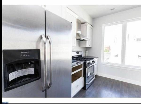 Roommate needed for beautiful fishtown 2 bedroom apartment