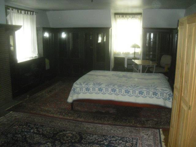 Large Room (furnished/unfurn.) in Victorian home (Overbrook Farms/St.Joseph's Univ./Phila.)