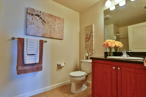 Shared 2b/2ba off Agnew Rd (santa clara)