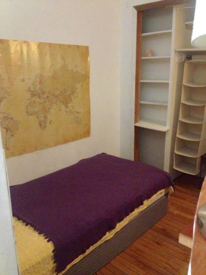 Looking for a laid-back,reponsible,clean roommate