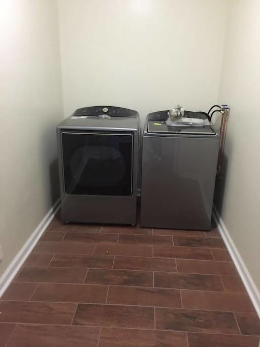 Furnished Bedroom with Shared Bath in South Philly