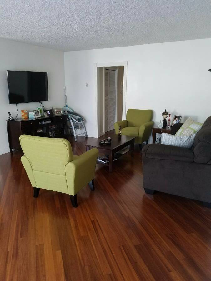 Culver City; Condo; F e m a l e only PLEASE (Culver City)