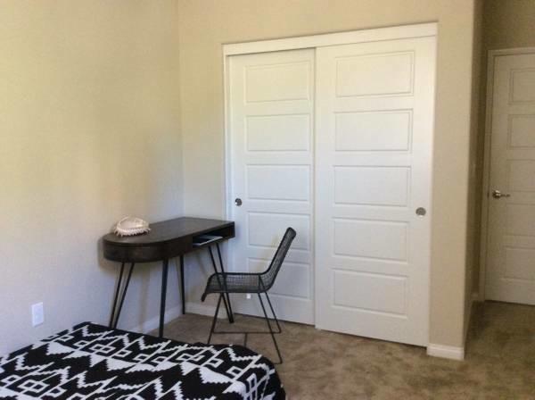 Private bedroom (Porter Ranch, CA)