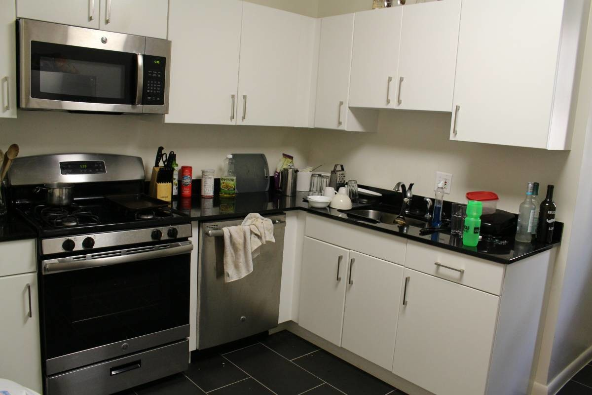 Ft A Bedroom With A Private Bathroom Available In A Two - Rooms for rent with private bathroom and kitchen