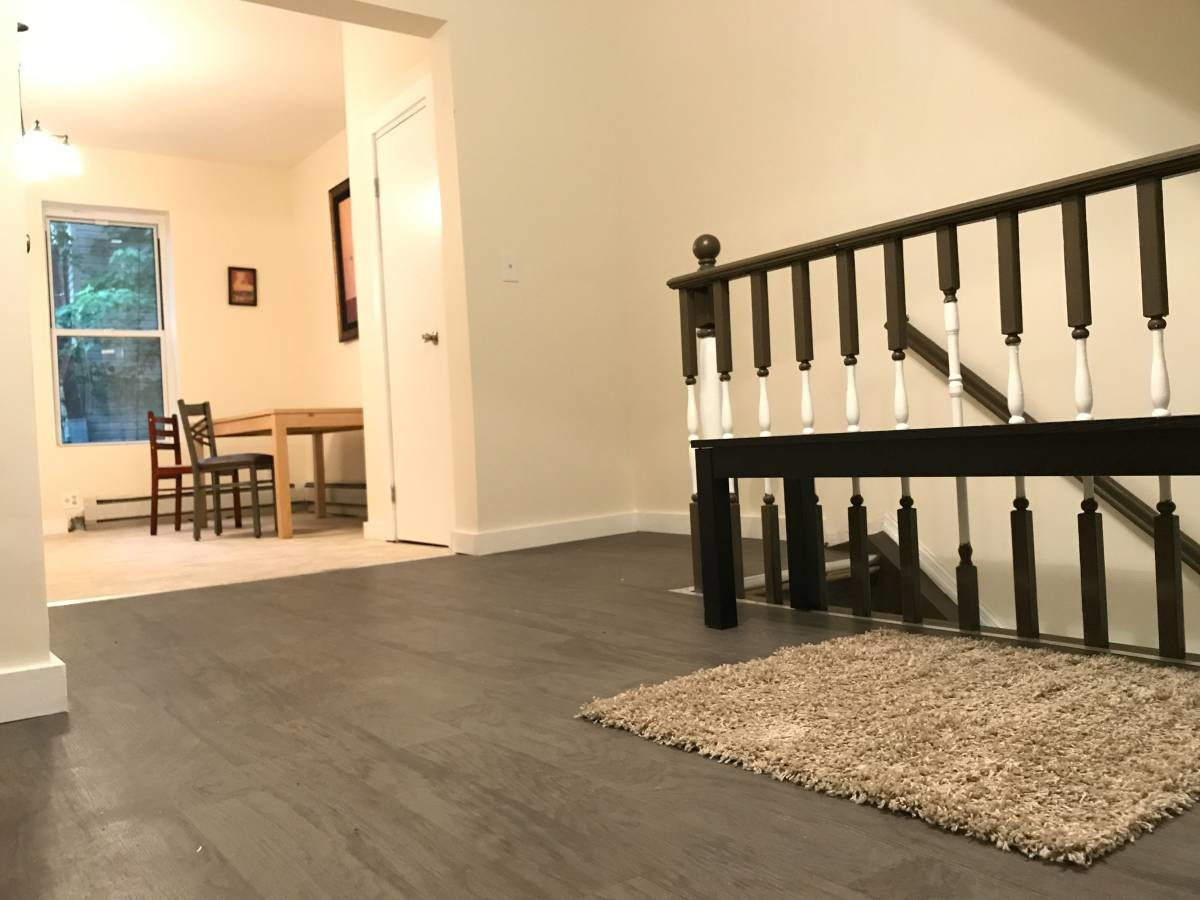 Looking for a roommate ASAP! Furnished room