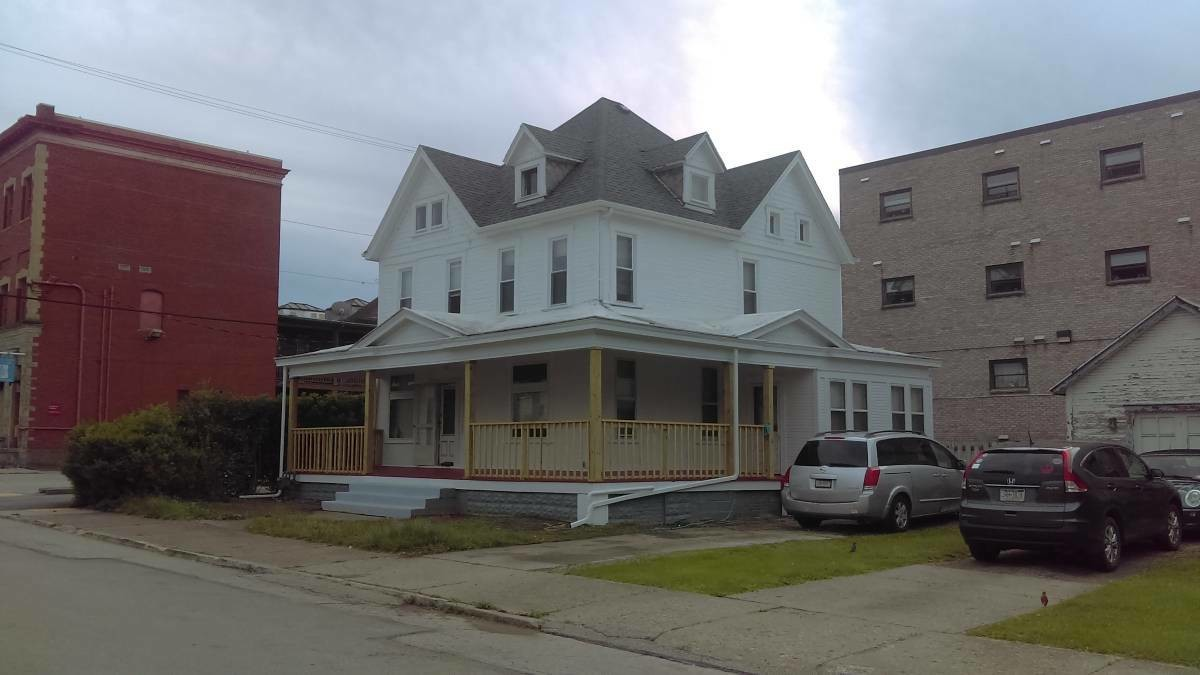 4BR - Spacious Home for Rent - Student Housing