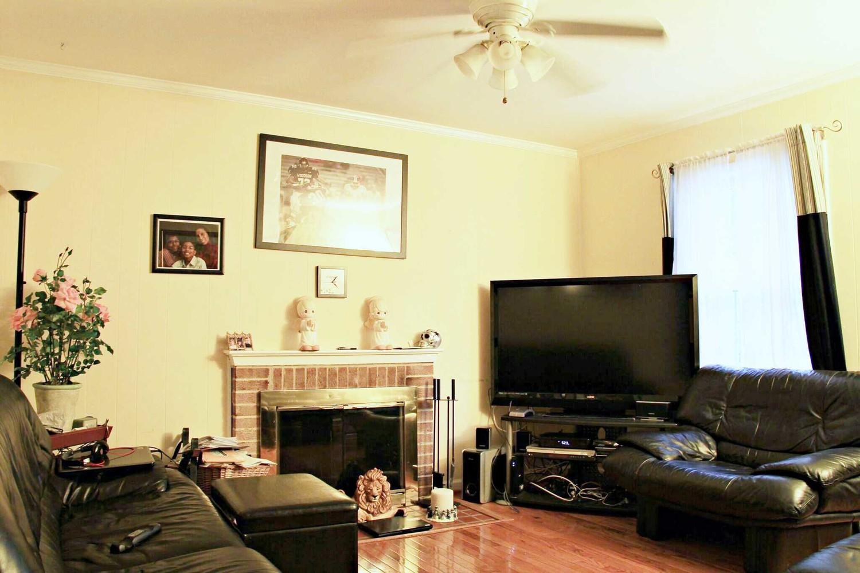 Bedroom 1 Near NOVA Annandale