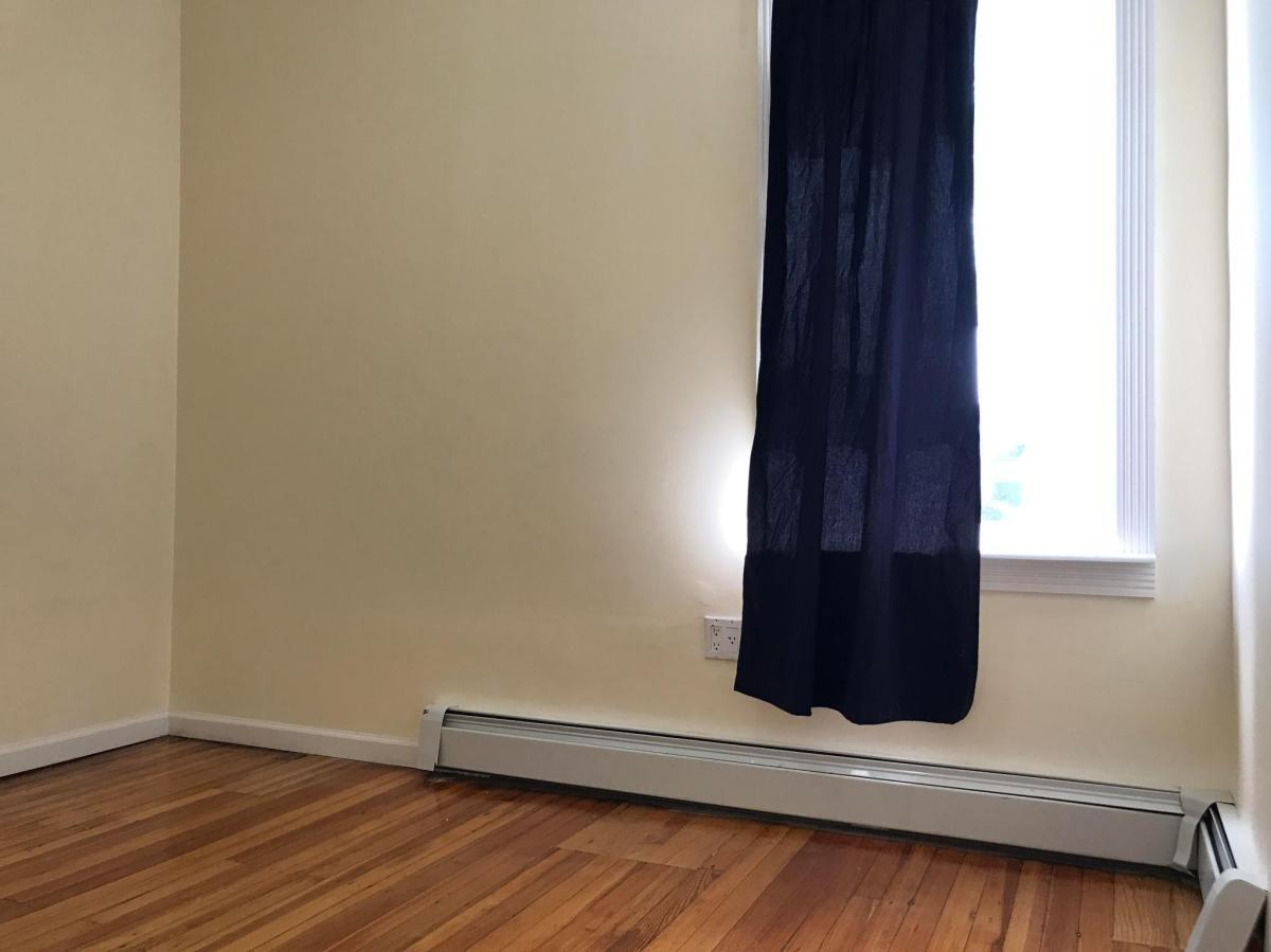 Cheap room in Brooklyn