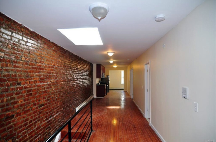Fully Renovated Rooms for Rent Little Italy - Bronx