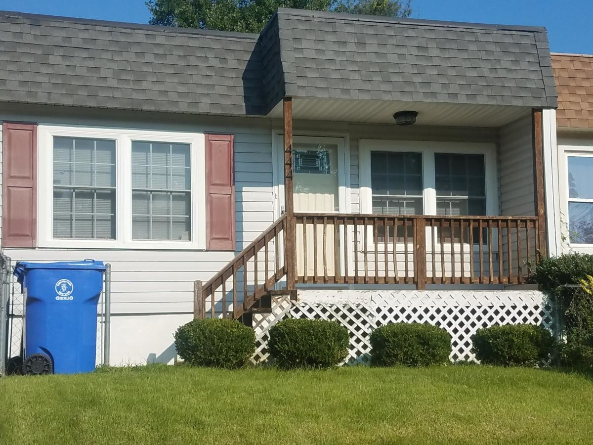 Furnished room near University of Maryland Fire