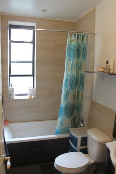 Room at 591 Franklin Ave near City University of New York