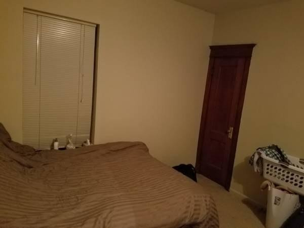 1 bed 1 (shared) bath sublease in a 3 bed 2 bath apartment (3rd floor)