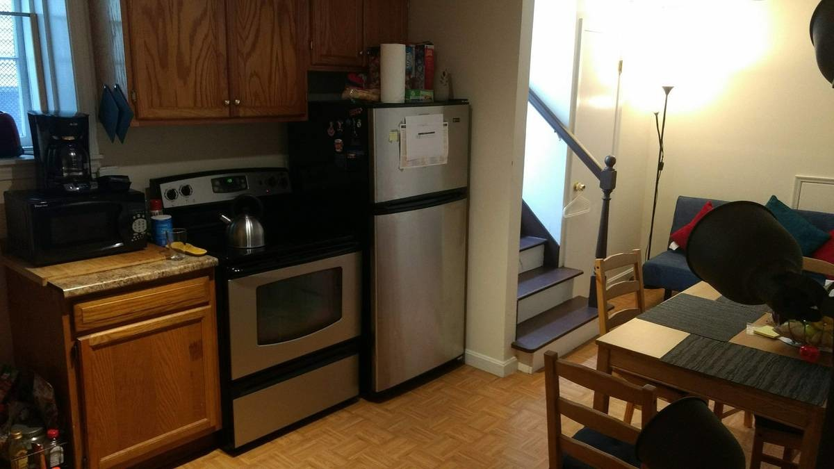 fully furnished in a 2BR/ 1BA, Bus stop in front of house