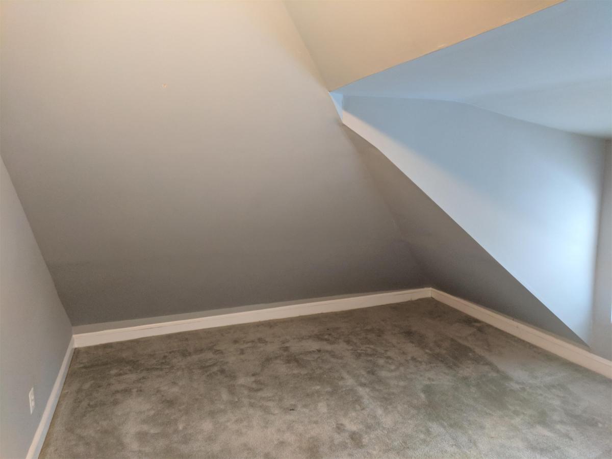 Sunny furnished bedroom for rent