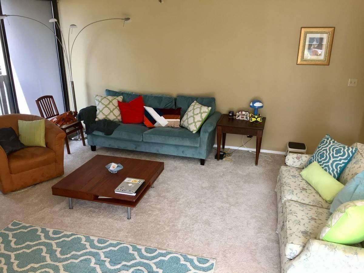 Female seeking one tidy housemate (or couple)