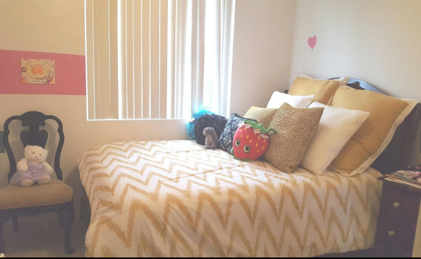 Rent a beautiful furnished room with a private bathroom