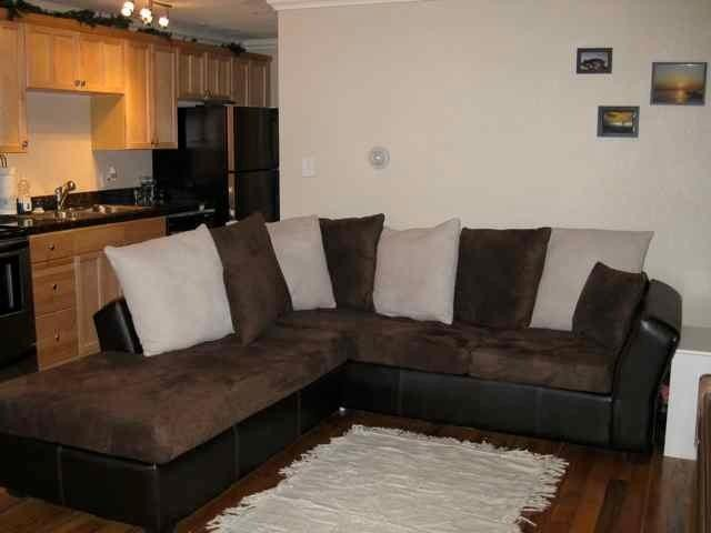 Beautifully furnished condo