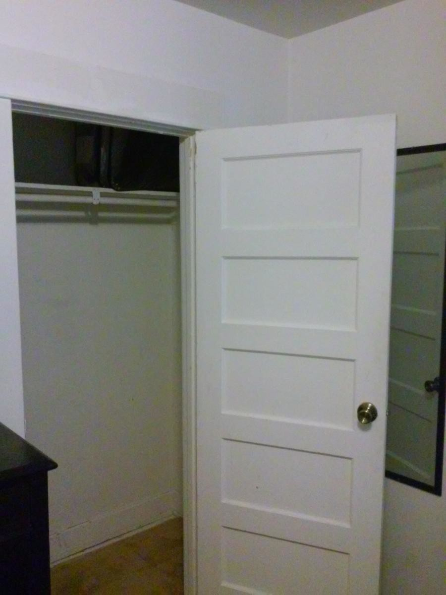 Large furnished room in a single family home
