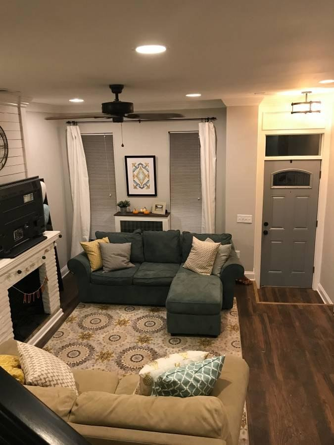 Private room in a completely renovated and gutted townhouse
