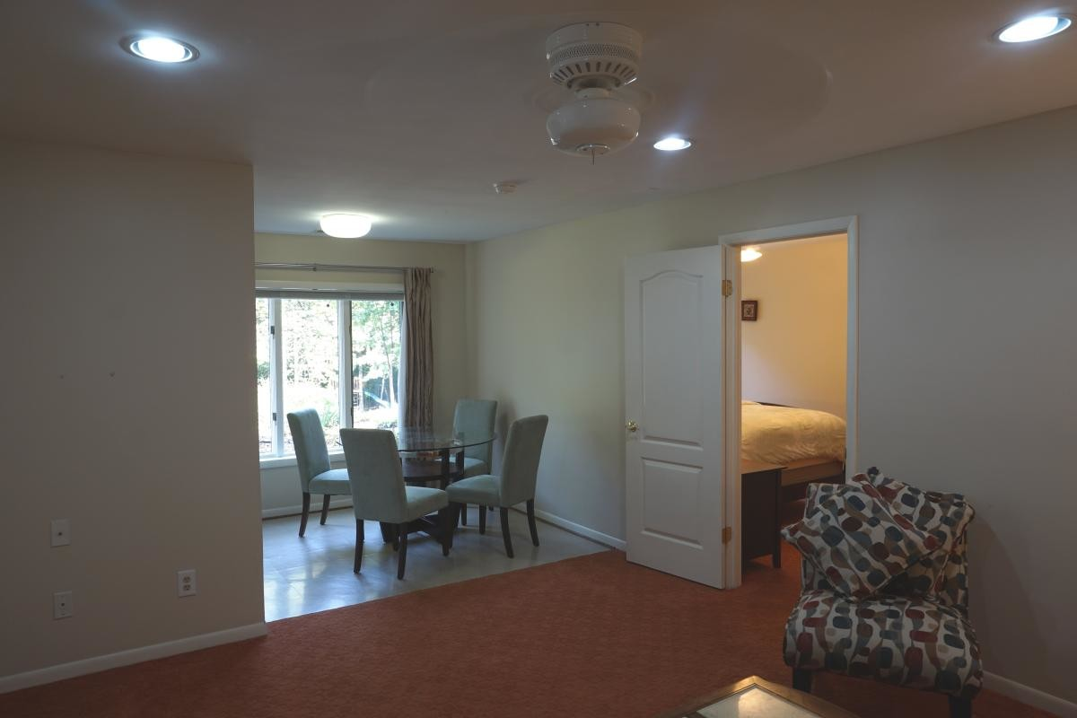Fully furnished bedroom near University of Maryland Extension Charles County