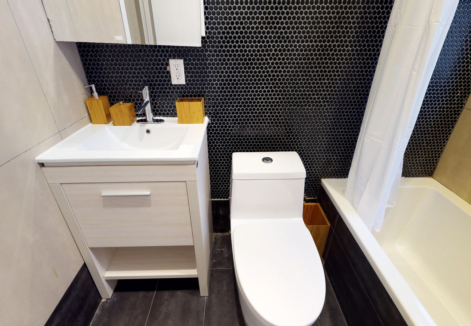 Private & Furnished Room in 4 Bed/ 2 Bath Shared Apt. + Utilities & WiFi Included!