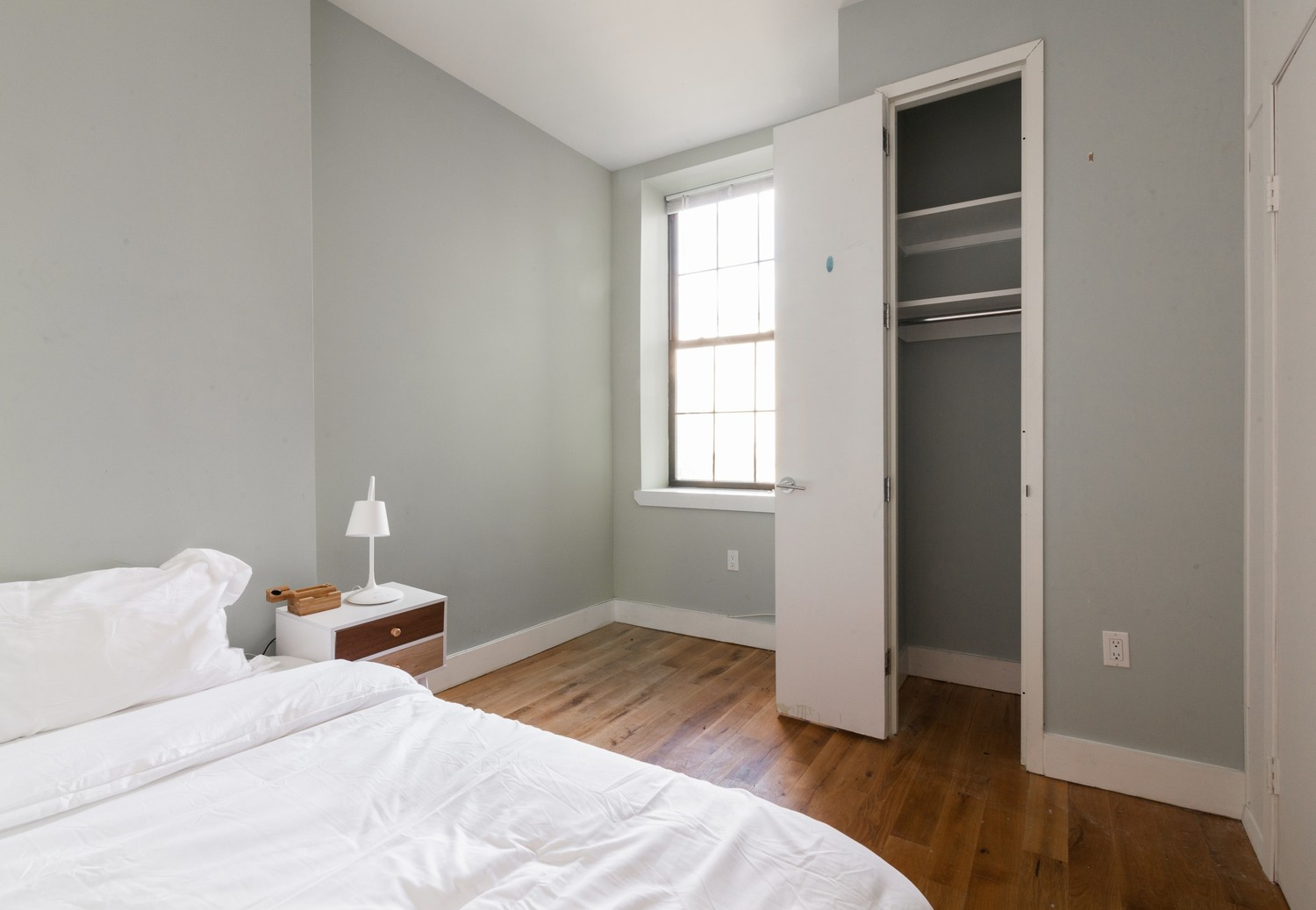 Private Room in Furnished 4 Bed / 1 Bath Apt. with Utilities, WiFi, and Laundry in Building