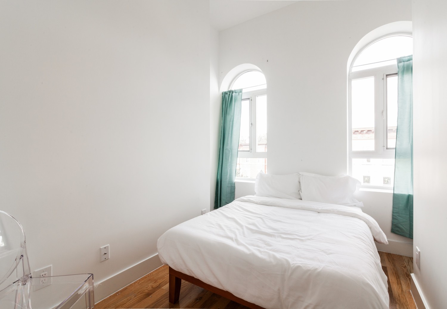 Private Room in 4 Bed Furnished Apt. + Fully Equipped Kitchen, Utilities, & WiFi!