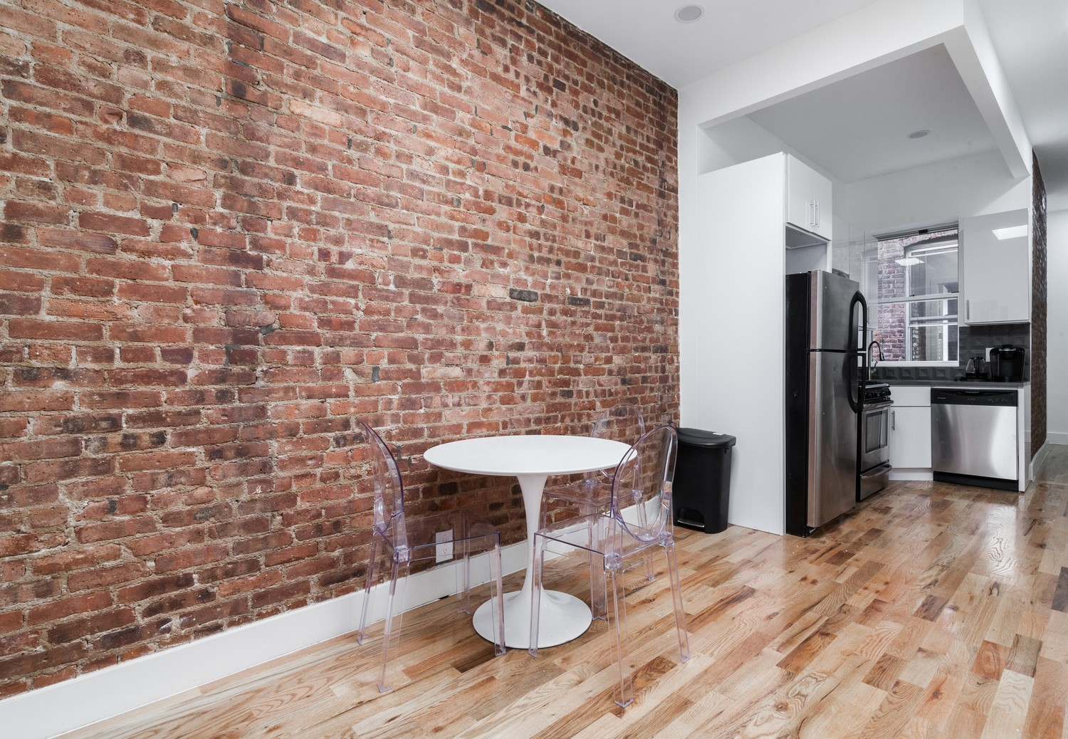 Private Room in 4 Bed Shared Apt. +Utilities & WiFi Included! - Subway stop is only 3 minutes away!